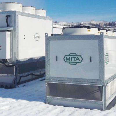 Condensador evaporativo y refrigerador adiabático en lácteos