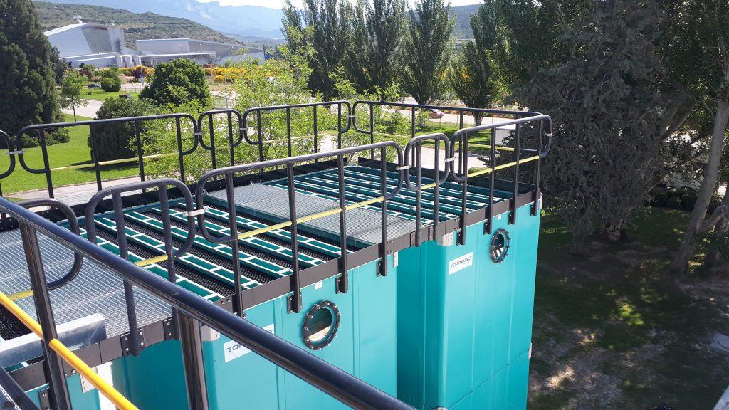 Barandillas, plataformas y trámes para torres de refrigeración